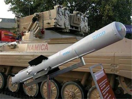 中国导弹戳破印度牛皮: 十几亿美元白花了