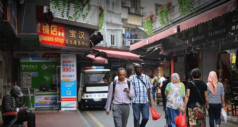 """黑人好不容易要走了, 日本人又来了, 日本人""""霸占""""中国这两大城市"""