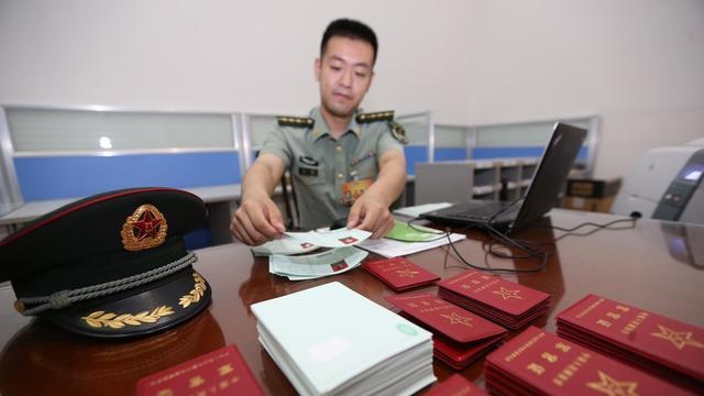 应届毕业生不报考军队文职简直浪费大好机会