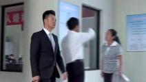 外国美女想要和中国男子离婚!民政局工作人员一句话拯救一段婚姻