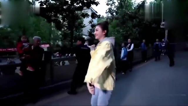 广场舞大比拼,谁才是真正的尬舞天后?景甜、杨紫广场舞