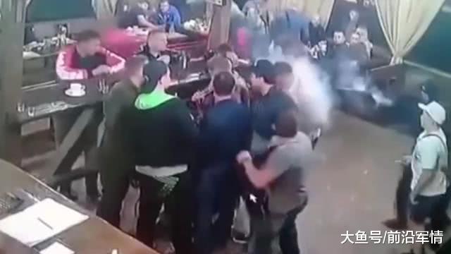俄罗斯黑手党大佬高调出狱! 黑吃黑大戏真实上演, 惨死人群