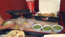 在印度点一份快餐,这酱料比主食还多,真不知从何下手?