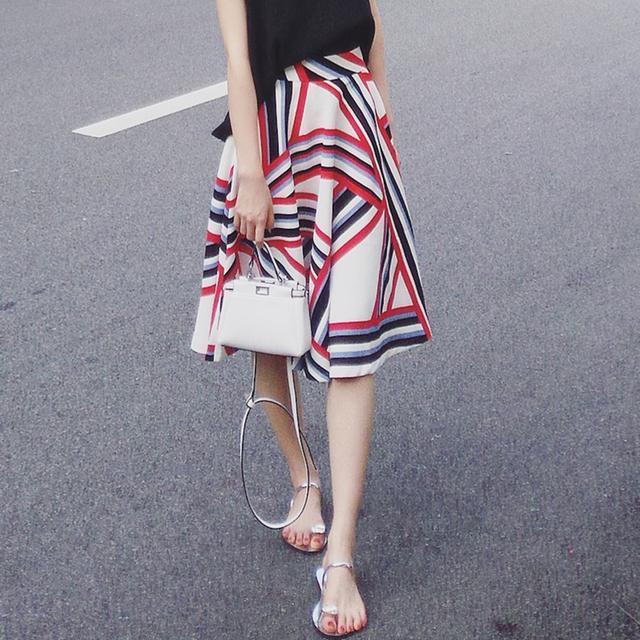 a字半身裙搭配_这10款优雅半身裙搭配, 显瘦显高还凉快, 我就喜欢第9款裙子