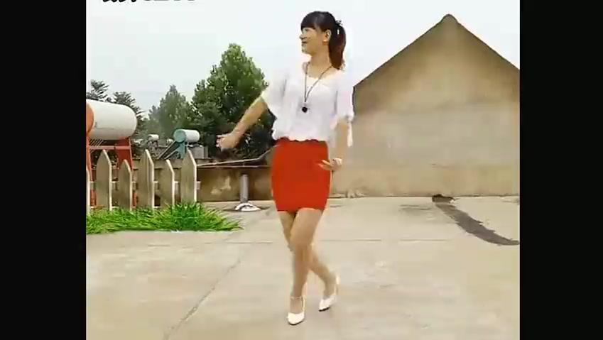农村嫂子的广场舞,《套马杆》经典老歌