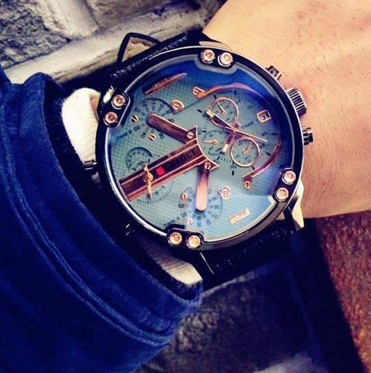 男人为什么左手戴表, 手表对于男人的意义, 网友: 赶紧买块手表!