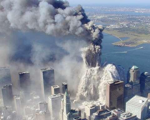 五角大楼遭到局部破坏,部分结构坍塌;袭击事件令曼哈顿岛上空布满尘
