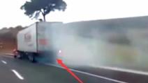 时速100公里的大货车失控,老司机见车就超,最后冲进避险匝道