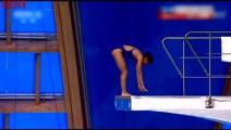 跳水赛现神奇0分表演,倒立不稳直接冰棍式入水,教练也无奈