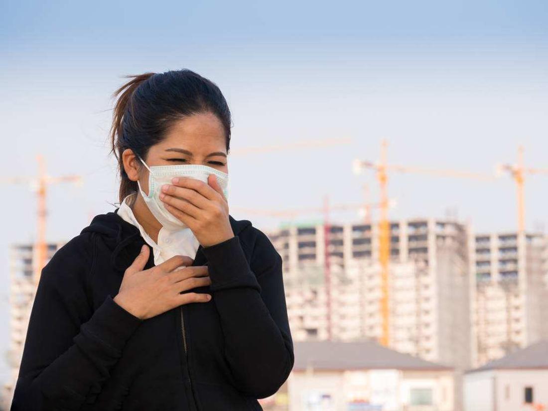 嗓子干疼 干咳无痰是怎么回事呢