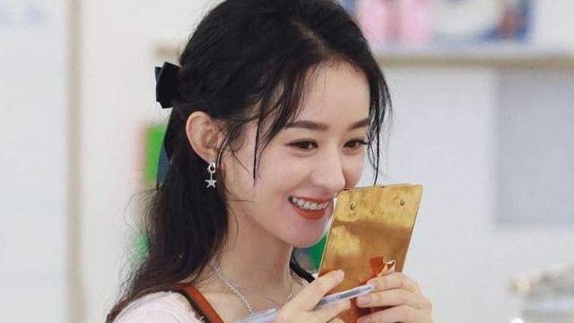 赵丽颖资源不断,杨幂电影冲向春节档,但看清事实发现她才是赢家