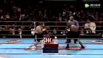 永远别故意挑衅拳王泰森 他失控了裁判在场也罩不住你