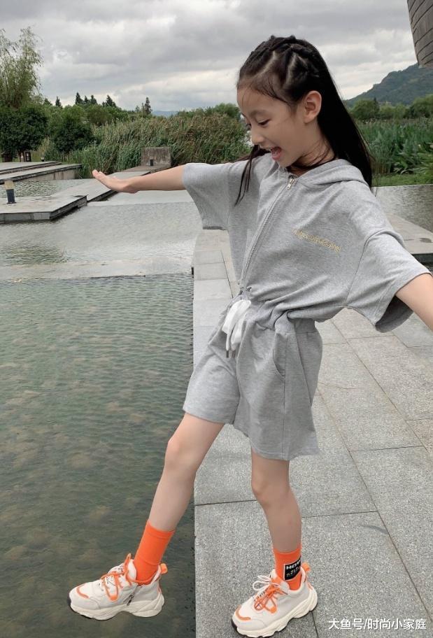10岁\童模\裴佳欣, 终于是不化妆了, 这颜值我看了都嫉妒!