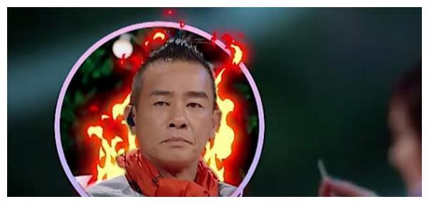 独自离开取出, 陈小春看了当场发飙  应采儿吃火锅被鱼刺卡到,