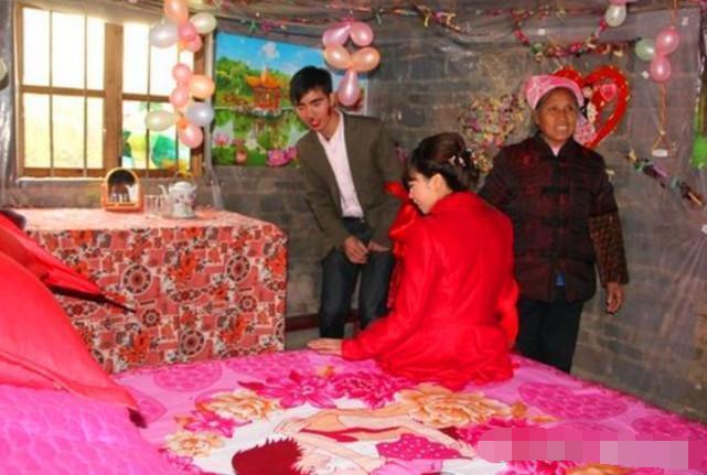 社会新闻 农村婚礼现场, 儿子入赘, 爸妈却在一旁流眼泪,农村,婚