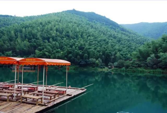宜兴竹海风景区位于江苏省宜兴市区西南31公里的湖