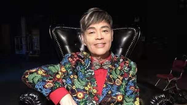 倾家荡产靠7位艺人出钱救命 66岁香港歌星病魔缠身4年无法行走,