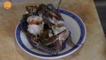 柬埔寨街头小吃——活蓝蟹柬埔寨