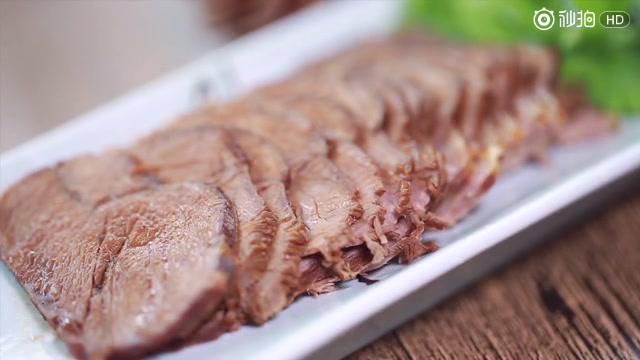 [卤牛肉的做法]教你做私房秘制卤牛肉,好吃到停不下来~.  