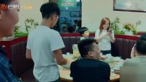 变形计: 吴越缺钱变身饭店服务员,注意,56秒有笑点