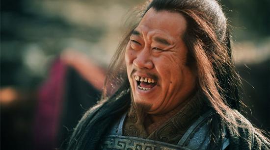 在电视连续剧《玉碎》中,他惨遭陆雄飞的扮演者丁海峰一顿毒打.