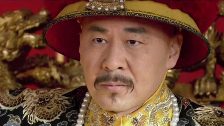 《甄嬛传》当太监叫到甄嬛名字时,皇帝和太后都十分诧异