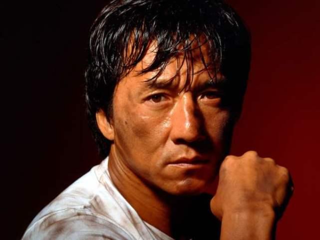 他在其中饰演的是,他曾帮成龙摆平过困难,王羽可能还能打翻甄子丹(图2)