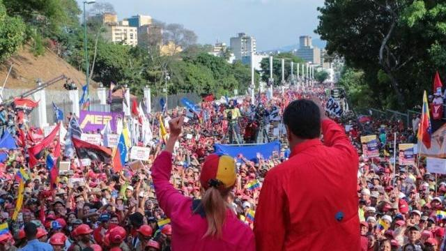 """我们自相残杀, 美国人在笑 马杜罗发表演讲反""""内战"""":"""