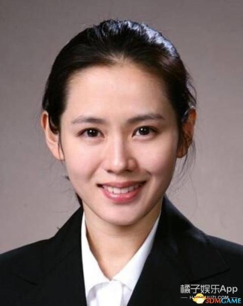 12名韩国女明星证件照曝光 没有传说中的那么丑啊