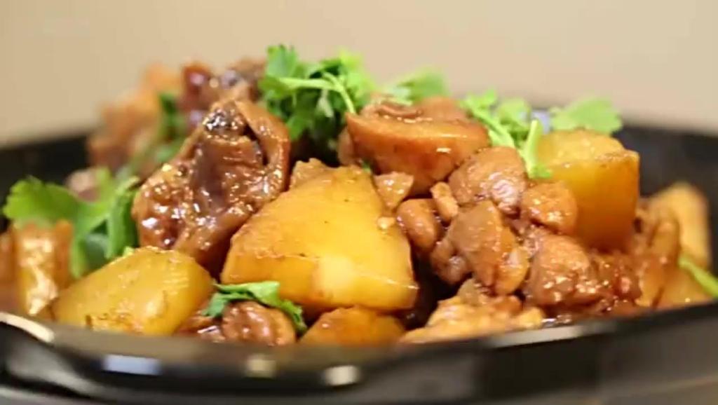 春节家常菜,土豆烧鸡块-做法教学