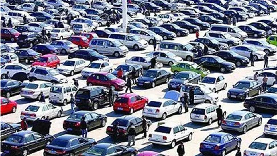 国内最牛的二手车市场,几万元可以买到豪车,知道真相你还敢买吗