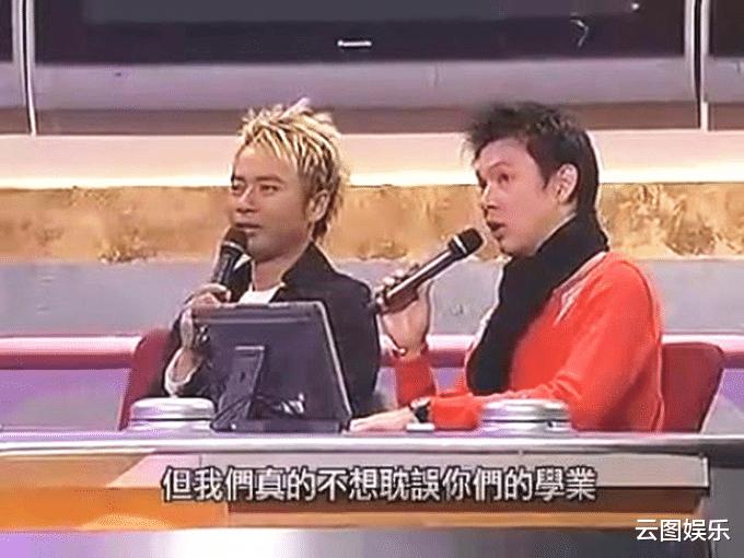 51岁的梁荣忠,头发已经花白,为了钟丽淇终生不娶(图11)