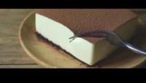 不用烤箱,不用面粉,做出的提拉米苏蛋糕,最适合老人小孩,软糯香滑!