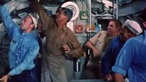被深水炸弹轰击,潜艇发射女士内衣,成功保命