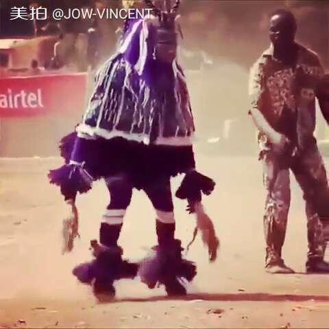 很多人说我跳舞脚快,看了这个视频才知道什么是脚快,天生会#舞
