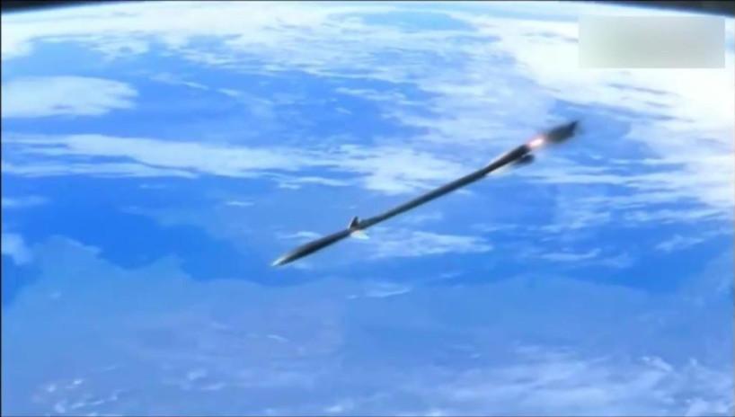 太空用火箭丟铁棒攻击月球,威力比原子弹都大!