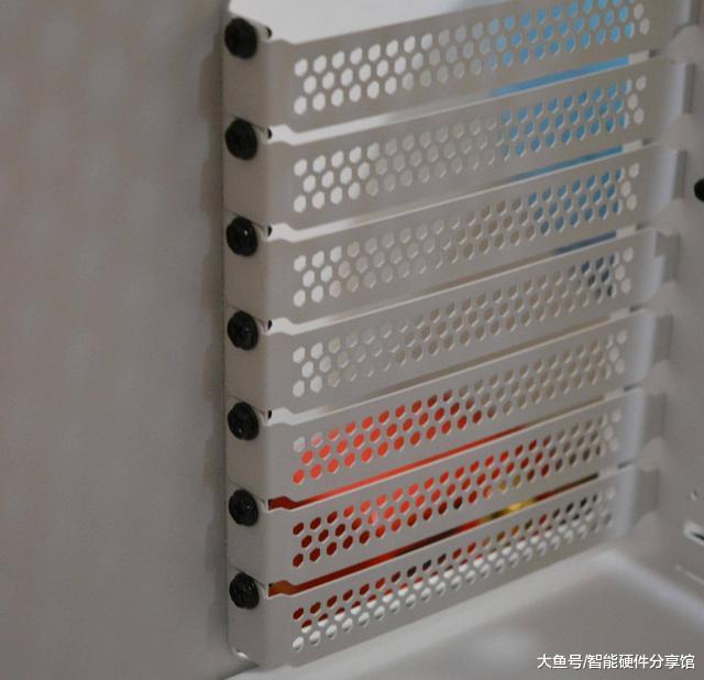 挑战者H3机箱尝鲜,人性化设计,轻松打造电竞机箱(图11)