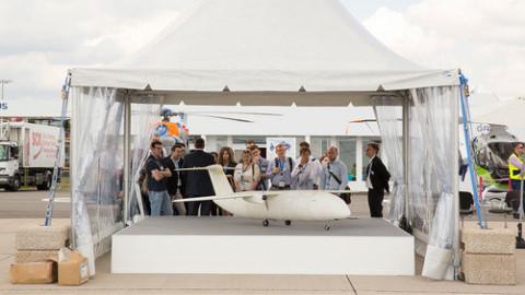 作为飞机制造商,只用 3d 打印来制造自行车好像不太对,所以空中客车