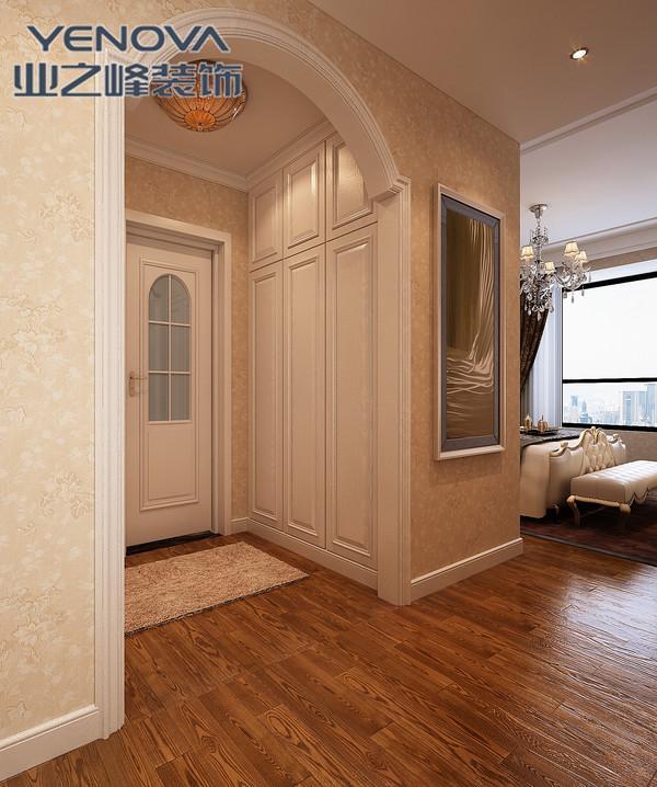 客厅背景墙用隐形门弥补电视与沙发的不对称缺陷.