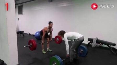 体操男和健身男PK, 哪个能胜出?