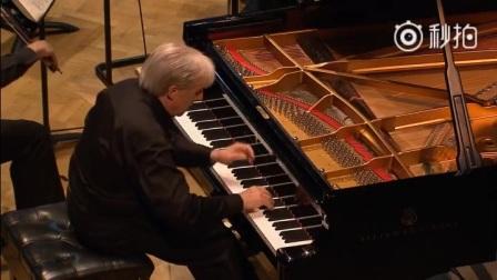 """勃拉姆斯第二钢琴协奏曲第一乐章(下) 勃拉姆斯的《第二钢琴协奏曲》,降B大调,OP.83,完成于,在布达佩斯歌舞会场音乐厅首演。这是勃拉姆斯两次访问意大利的收获,评论家们都认为这首协奏曲与意大利风光有关,表达了意大利的""""暮春初夏""""。"""