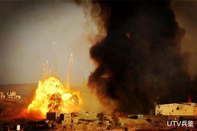 胡塞用实际行动为伊朗导弹正名,已实锤炸死80名士兵,同时呼吁双方保持克制