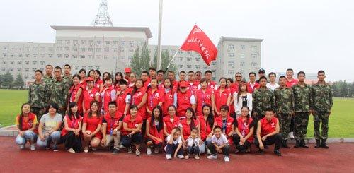 志愿者表演的《相逢是首歌》《中国人》《天籁之爱》,不断迎来阵阵