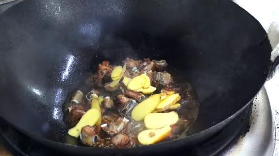 创新版糖醋排骨,创新版糖醋排骨味道更爽口,营养更丰富,年夜饭必备