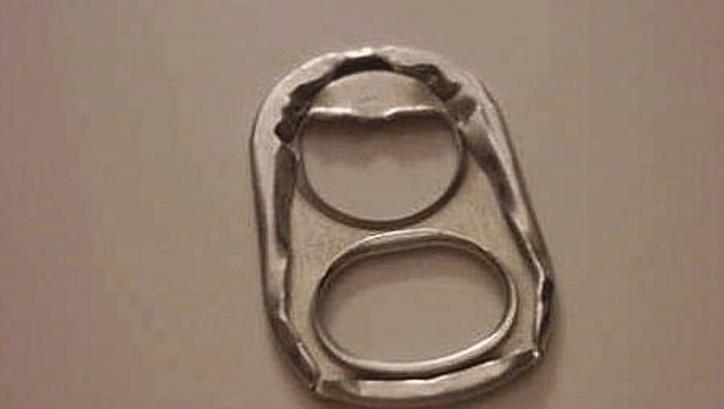 易拉罐拉环戒指_易拉罐和拉环的故事