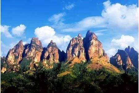 地址:梅州市平远县差干镇五指石风景名胜区