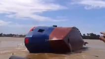 舰船下水有多危险?实拍各种新船只下水失败,看着都心疼