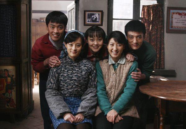 姜武主演的电视《小姨多鹤》中,闫学晶饰演的朱小环一角被凭非常有