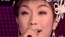 女演员临时有事,李玉刚毛遂自荐演唱《为了谁》,一唱成名