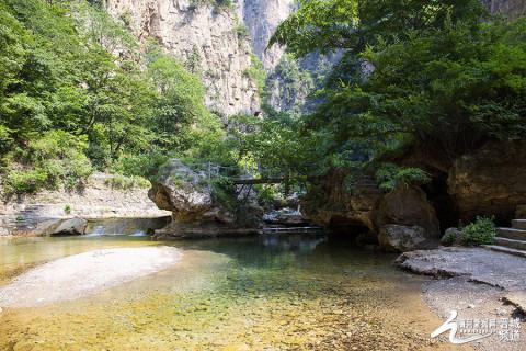 蟒河景区位于位于山西省晋城市阳城县南33公里的桑林乡,面积58平方
